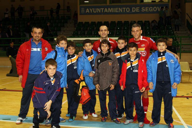 Miguelín y Dani Salgado junto a alguno de nuestros jugadores
